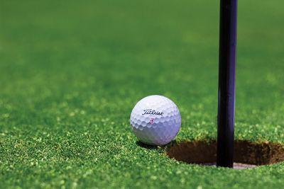golfregeln im loch lassen