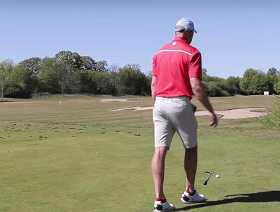 Wie steht man beim Golf gerade